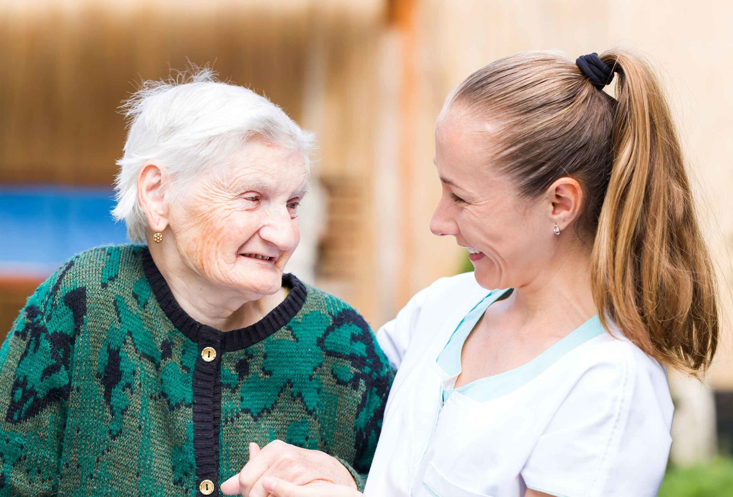 How to Communicate with Your Loved One's Assisted Living Staff?